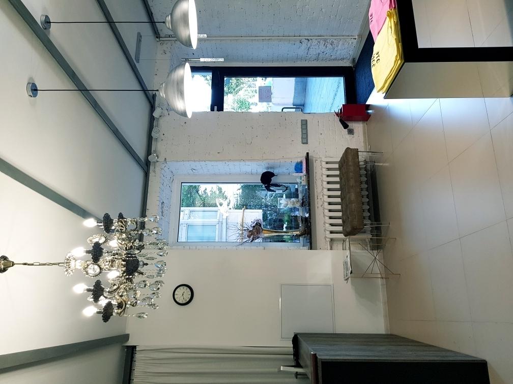 Салон красоты с шоу-румом Премиум-класса в стиле ЛОФТ Купить 19